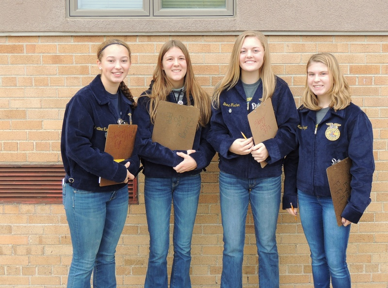 Sleepy Eye FFA Poultry Team Wins Regions, Soils & Forestry Advance to State